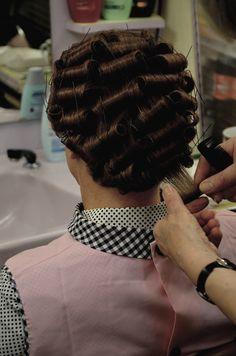 Steffie Fotosammlung groß 455uio   Hausfrau beim Friseur   Flickr Updo Styles, Curly Hair Styles, Nylons, Hair Curlers Rollers, Perm Rod Set, Finger Wave Hair, 80s Hair, Hair Setting, Hair And Beauty Salon