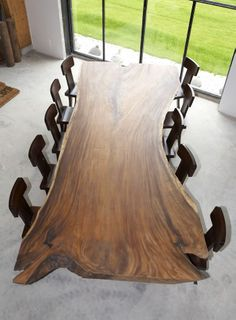 SDA Decoration Acacia dinner table, made of natural wood