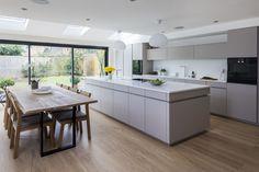 Glendon – GLOBAL KITCHEN DESIGN Simple Kitchen Design, Contemporary Kitchen Design, Best Kitchen Designs, Interior Design Kitchen, Open Plan Kitchen Living Room, New Kitchen, Minimalist Kitchen, Luxury Kitchens, Studios
