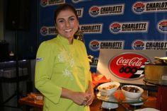 Chef Lorena García introduce sabor latino a las carreras de NASCAR
