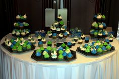 my peacock bridal shower cupcakes that @Jennifer Hydock Mccoy made for me