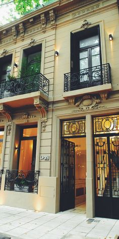 Chic hotel in Buenos Aires Hotels And Resorts, Best Hotels, Hotel Palermo, Montevideo, Art Nouveau Arquitectura, Beautiful Hotels, Beautiful Places, Argentina Travel, Grand Hotel