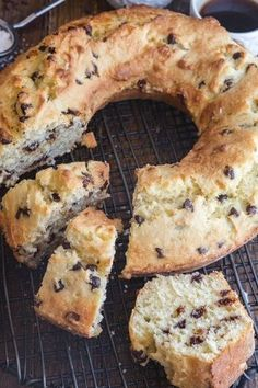 This deliciously moist Homemade Italian Cake is made with ricotta cheese and chocolate chips. The perfect Breakfast, Snack or even Dessert Cake Recipe. A Cake everyone will love. Try this easy chocolate chip ricotta cake recipe for Mother's Day! #bundtcake #dessert Italian Cake, Italian Desserts, Köstliche Desserts, Dessert Recipes, Italian Cookies, Italian Recipes, Italian Meals, Italian Cheese, Cupcake Recipes