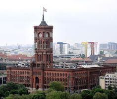 Das Rote Rathaus am nächsten Tag, das Wetter war schlecht.... von enner aus de palz - Berlin