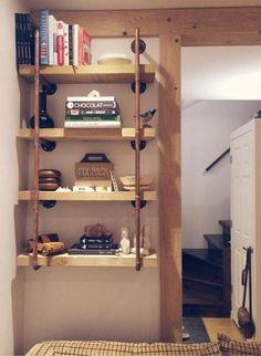 Voici comment réaliser vous-même une étagère originale en utilisant des tuyaux de plomberie en cuivre. Un projet DIY qui se réalise en un weekend!