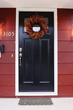 Black Door & Red house - NICE