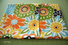 envelope pillow cover tutorial...just made this- so easy!!