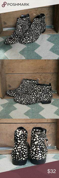 {Dolce Vita} animal print fur ankle zip booties Size 7  Photos are the description of this article. Any flaws will be pointed out and noted. Otherwise this article is in excellent condition. Dolce Vita Shoes Ankle Boots & Booties