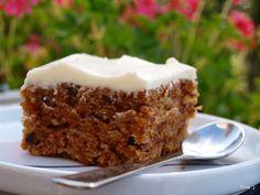 Gulrotkake - laga denne i dag, fantastisk god, kan absolutt anbefalast :) Danish Dessert, Breakfast Cookies, Snacks, What To Cook, Carrot Cake, No Bake Desserts, Yummy Cakes, Great Recipes, Cake Recipes