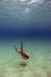 I want to swim in the blue clear ocean