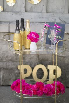 Our Kate Spade Bridesmaid's Brunch featured on Style Me Pretty! Bar cart design by Amanda Cowley Sweet Events! Kate Spade Party, Kate Spade Bridal, Party Deco, Bridesmaid Brunch, Theme Nature, Champagne Brunch, Zeina, Deco Table, Party Entertainment
