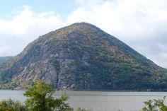 Storm King Mountain and the Hudson river