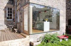Bodentiefes Fenster in der offene Küche