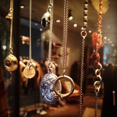wv @ 13 mq Shop Windows, Washer Necklace, Jewelry, Jewlery, Jewerly, Store Windows, Schmuck, Jewels, Jewelery