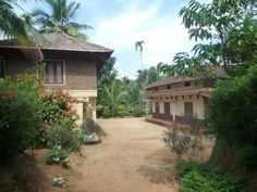 Hiliya Resort Homestay, Kerala, India. Stay in an eco friendly heritage bungalow surrounded by acres of organic farm with spices, fruit trees and livestock