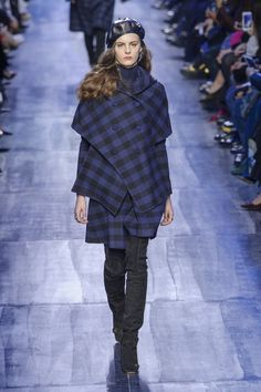 Christian Dior, Fall 2017 - The Prettiest Coats and Jackets From the Paris Runway - Photos