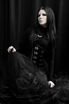 Three Gothic Fashion Tips That You Should Use – Angels and Demons Dark Beauty, Goth Beauty, Dark Fashion, Gothic Fashion, Fashion Tips, Style Fashion, Goth Victorien, Makeup Gothic, Dark Black