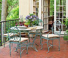 LatteLisa: Garden design: a French inspired garden in Alabama Outdoor Seating Areas, Outdoor Rooms, Outdoor Dining, Outdoor Gardens, Outdoor Decor, Courtyard Gardens, Outdoor Balcony, Outdoor Parties, Porches