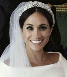 Royal Family Around the World: The Wedding of Britain's Prince Harry and US actress Meghan Markle at St George's Chapel, Windsor Castle on May 2018 in Windsor, England. Megan And Harry Wedding, Prince Harry And Megan, Royal Brides, Royal Weddings, Lady Diana, Actress Meghan Markle, Prinz Charles, Eugenie Of York, Us Actress