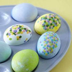These simple dot eggs are an easy way to decorate for Easter. More ways to decorate eggs: http://www.bhg.com/holidays/easter/eggs/quick-and-easy-easter-egg-decorations/?socsrc=bhgpin022113doteggs=6