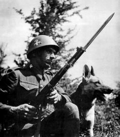 Slovak mountain infantry on the Eastern Front posing with a guard dog. Guard dogs were essential in tracking and battling soviet resistance fighters. Military Photos, Military History, Soldier Costume, Political Beliefs, Central And Eastern Europe, Military Diorama, Armed Forces, World War Two, Guard Dog