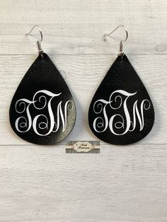 Monogram Leather Earrings, Monogrammed Teardrop Earrings, Mother's Day Gift, Teacher Appreciation Gift, x Handmade Diy Leather Earrings, Diy Earrings, Teardrop Earrings, Leather Jewelry, Diy Monogram Earrings, Gold Jewellery, Silver Jewelry, Jewelry Crafts, Handmade Jewelry