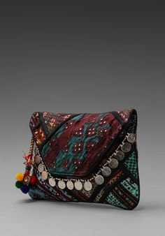 Petite pochette ethnique, rouge bordeau et verte. by GYPSY 05 Banjara Clutch in Black
