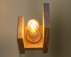 Wooden Chandelier, Wood Lamps, Wood Sconce, Sconces, Rustic Wall Lighting, Wall Lamp Shades, Bois Diy, Lamp Socket, Wall Fixtures