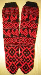 Uman oma käspaikka: Käsityö 21: Pitkävartiset Juuret Karjalassa-sukat Knitting Socks, Knit Socks, Knit Or Crochet, Mittens, Ravelry, Gloves, Slippers, Winter, Crafts