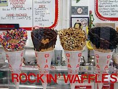 Regina's Ice Cream in Naples is the perfect place to experience the 1950s!