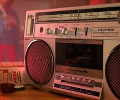 Retro radio discovered by ♡ sierra ♡ on We Heart It San Junipero, The Get Down, We Heart It, 80s Aesthetic, Rainbow Aesthetic, Character Aesthetic, Aesthetic Vintage, Peter Quill, Sr1