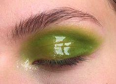 Glossy Eyeshadow Trend - Best Eye Makeup Looks Photos Makeup Inspo, Makeup Art, Makeup Inspiration, Beauty Makeup, Makeup Drawing, Makeup Eyes, Eyeshadow Makeup, Glossy Eyes, Glossy Makeup