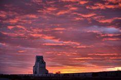 Shaunavon Sunrise by Steph Peesker, via 500px
