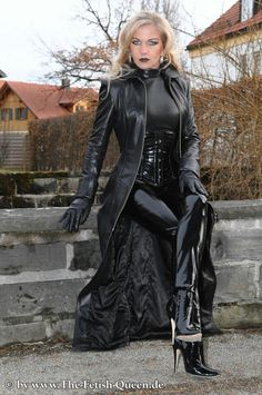 Black Leather Gloves, Leather Trousers, Penny Lane, Sexy Heels, High Heels Stilettos, Crazy Outfits, Fall Outfits, Leder Outfits, Exotic Women