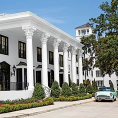 The South's Best New Hotels | The White House Hotel | Biloxi, MS: In the twenties, The White House Hotel was the home away from home for the South's most affluent travelers. Today, this grande dame of Southern stays is once again taking her curtsey.