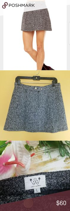 """Six Crisp Days Wool A Line Skirt sz L Gray Brand: Six Crisp Days Size: L Color: Gray Condition: Preloved, no holes, no tears, no stains. Well taken care of.  Waist 31"""" Length 15.5"""" Six Crisp Days Skirts"""