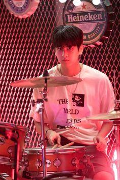 I want his shirt lol Chanwoo Ikon, Kim Hanbin, Yg Entertainment, Bobby, Ikon Songs, Ikon Member, Ikon Kpop, Ikon Wallpaper, Rock Songs