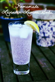 Lavender Lemonade Soda - Herbal homemade soda is quite simple actually.  Almost any herb can be used, and this lavender and lemon combination is cooling and refreshing! Pint Glass, Cool Kitchens, Soda, Lemon, Lavender, Beverage, Soft Drink, Lavandula Angustifolia, Fresh Water