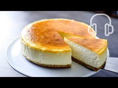 "Recipe: How to Make New York Cheesecake From Scratch! Step by Step Recipe Tutorial for ""New York Style"" Cheesecake: the BEST, rich and creamy, delicious cake. Easy Mini Cheesecake Recipe, Chocolate Cheesecake Recipes, How To Make Cheesecake, Best Cheesecake, Homemade Cheesecake, Cotton Cheesecake, Nutella Cheesecake, Food Cakes, Baking"