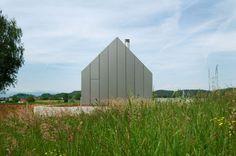 HOUSE HB / Bevk Perovic Arhitekti – nowoczesna STODOŁA   wnętrza & DESIGN   projekty DOMÓW   dom STODOŁA