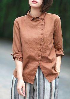 mira que bonitas estas blusas o camisas Kurta Designs, Blouse Designs, Hijab Fashion, Fashion Dresses, Fashion Clothes, Look Street Style, Linen Blouse, Short Tops, Indian Designer Wear