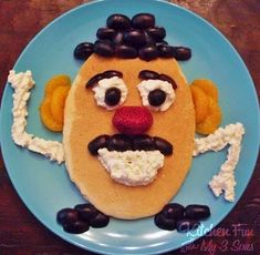 Pancake Head…kids will have fun decorating their own Mr. Pancake Head for breakfast! Pancake Head…kids will have fun decorating their own. Cute Food, Good Food, Yummy Food, Breakfast For Kids, Best Breakfast, Breakfast Ideas, Pancake Breakfast, Toddler Meals, Kids Meals
