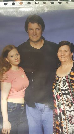 "Nathan with fans: ""OMG OMG OMG I just meet Nathan Fillion. Omg the man is so fine and sexy in the flesh.""  Source: https://www.facebook.com/kim.oleary.9  Adelaide, Australia  Nov 18-19, 2016"