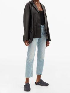 Birkenstock Boston Clog, Clogs, Mom Jeans, Pants, Outfits, Fashion, Clog Sandals, Trouser Pants, Moda