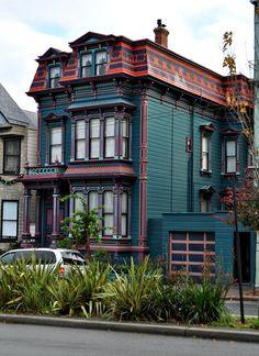 Historic Victorian on Divisidero in San Francisco's Alamo Square