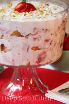 Punch Bowl Strawberry Angel Cake from Deep South Dish, includes layers of cubed angel food cake, topped with a mixture of cream cheese, sweetened condensed milk and Cool Whip and strawberries, with just a sprinkle of coconut and pecans. Strawberry Angel Food Cake, Angel Food Cake Desserts, Strawberry Trifle, Trifle Desserts, Strawberry Desserts, Food Cakes, Easy Desserts, Delicious Desserts, Dessert Recipes