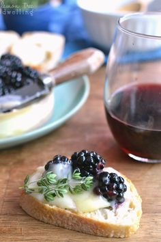 Brie with fresh blackberries soaked in Cambria Julia's Vineyard Pinot Noir - a delicious summer appetizer!Baked Brie with fresh blackberries soaked in Cambria Julia's Vineyard Pinot Noir - a delicious summer appetizer! Baked Brie, Tasty, Yummy Food, Appetizers For Party, Avacado Appetizers, Prociutto Appetizers, Healthy Appetizers, Party Desserts, Mexican Appetizers