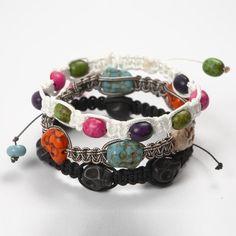 12500 Geflochtene Armbänder mit farbigen Howlithperlen