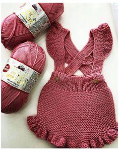 Crochet Baby Dress Free Pattern, Knit Baby Dress, Knitted Baby Clothes, Baby Girl Crochet, Knitted Romper, Newborn Crochet, Baby Knitting Patterns, Crochet For Kids, Crochet Clothes