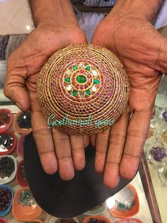 century hair jewell, Very rare Antique villai. Hair Jewellery, Head Jewelry, India Jewelry, Temple Jewellery, I Love Jewelry, Bridal Jewelry, Rare Antique, Antique Gold, Antique Jewelry